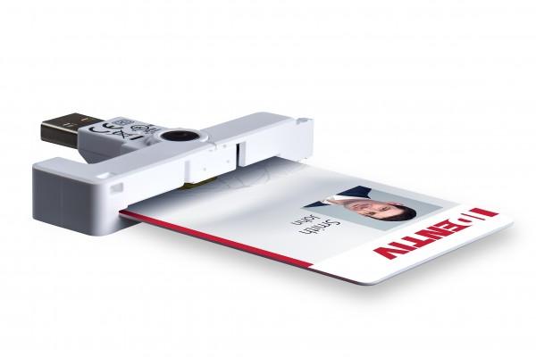 SCM uTrust SCR3500 A - kompakter SmartFold liest kontaktbehaftete Chipkarten im ID-1-Kartenformat